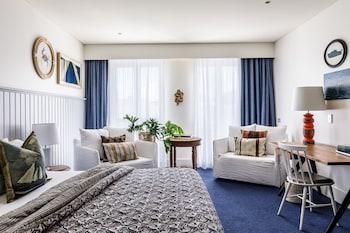 Standard Room (Watsons King Room)