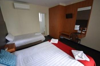Guestroom at Heathcote Hotel in Heathcote