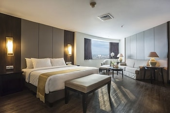 Hotel - The Acacia Hotel Jakarta