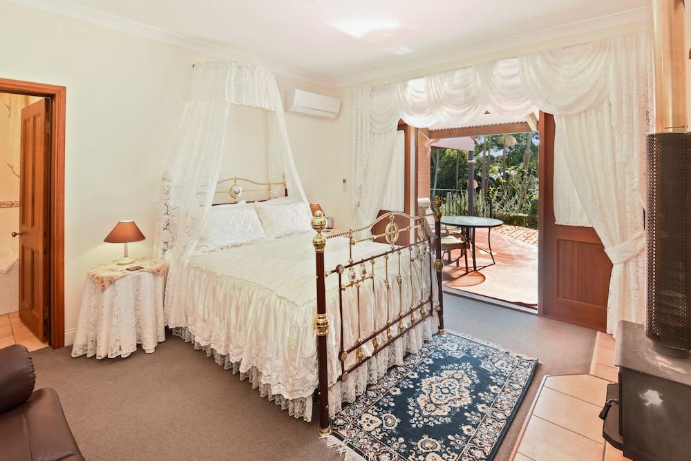 https://i.travelapi.com/hotels/10000000/9630000/9629200/9629104/ac5050b1_z.jpg