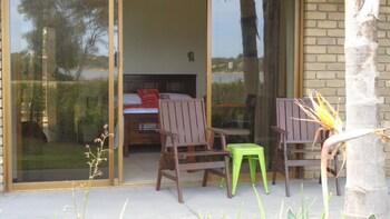 Abel Tasman Waterfront Motel - Balcony  - #0