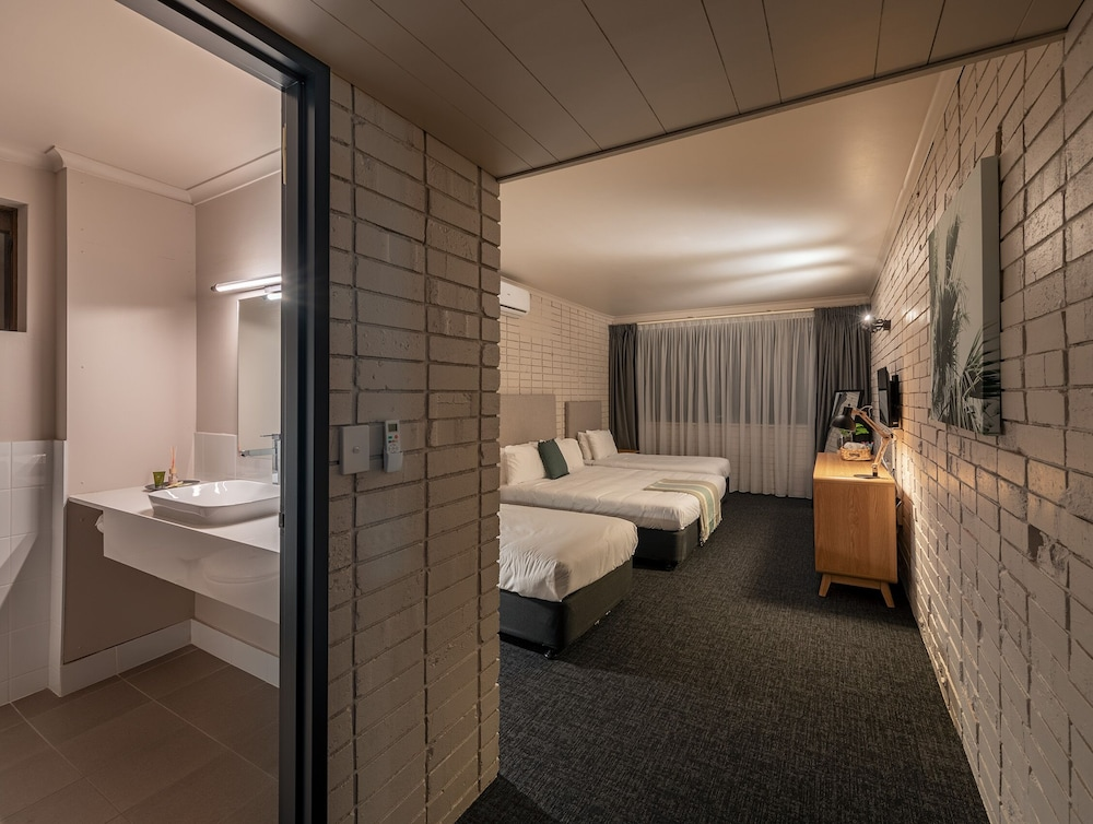 Palms Hotel Motel Chullora