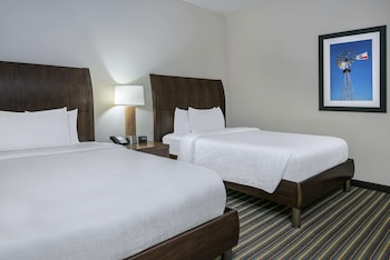 Room, 2 Queen Beds, Accessible, Non Smoking (Hearing Impaired)