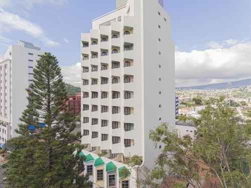 . Hotel Plaza Del Libertador