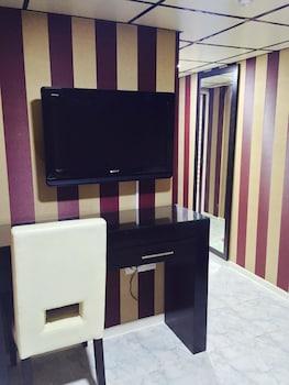 ウエスト ホテル (偉晴軒酒店)