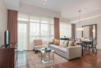 Aruga By Rockwell Makati Living Area