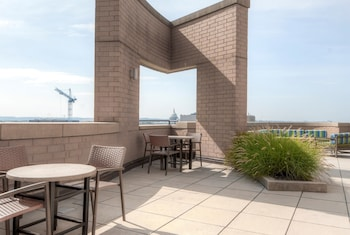 Global Luxury Suites at The Convention Center - Terrace/Patio  - #0