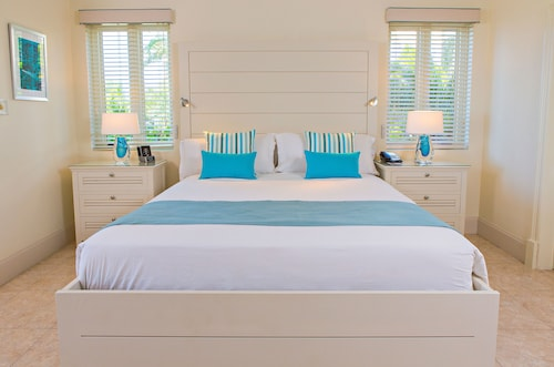 Cove Suites at Blue Waters,