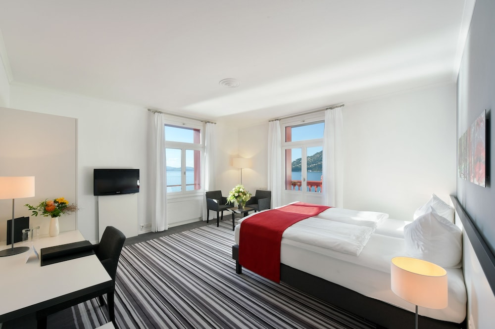 Deluxe Double Room, Lake View