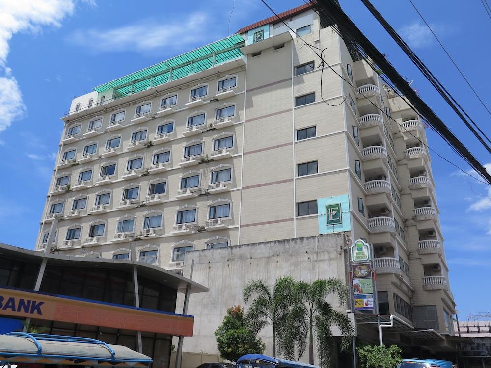ホテル エッセンシア