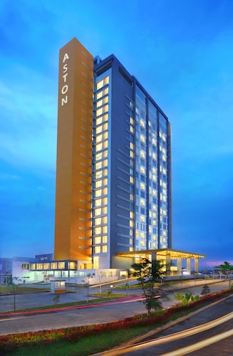 . Aston Banua Banjarmasin Hotel & Convention Center