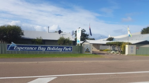 . Esperance Bay Holiday Park