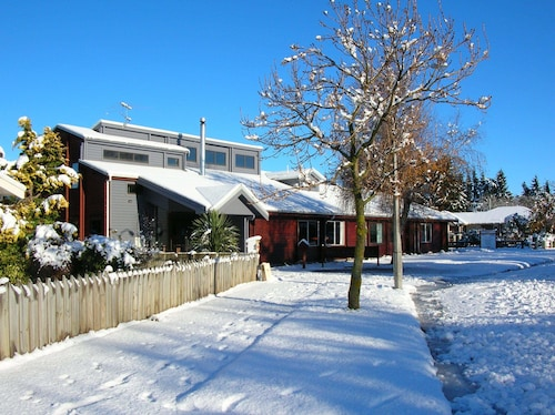 Breckenridge Lodge, Ashburton
