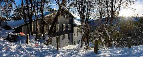 Attunga Alpine Lodge and Apartments, Falls Creek Alpine Resort