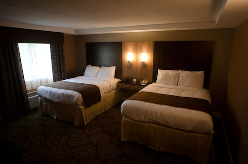 . AAshram Hotel by Niagara River