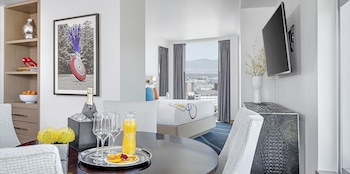 Suite, Mountain View