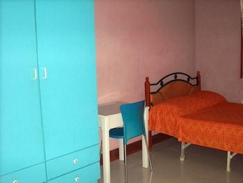 Cebu Guest Inn Guestroom