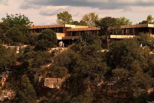 . Thunderbird Lodge - Inside the Park
