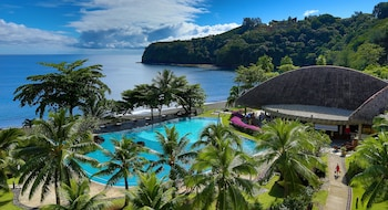 Tahiti Pearl Beach Resort - Featured Image