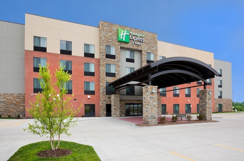 . Holiday Inn Express & Suites Davenport, an IHG Hotel