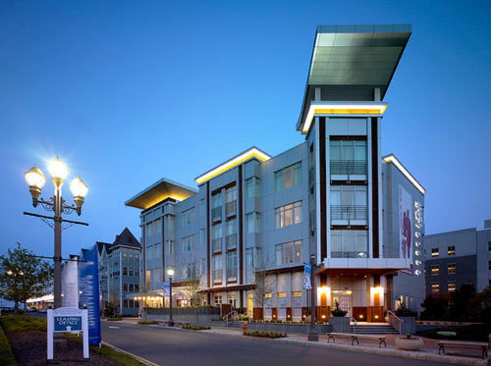 Bungalow Hotel