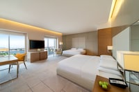 Deluxe Room (2 King Beds)