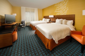 Guestroom at Fairfield Inn & Suites Arundel Mills BWI Airport in Hanover