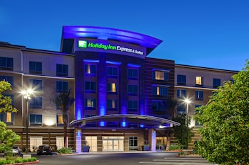 Hotel - Holiday Inn Express & Suites Anaheim Resort Area