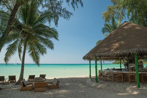 __{offers.Best_flights}__ Peter Pan Resort