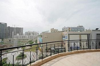 Kalpatharuvu Service Apartments - Balcony View  - #0
