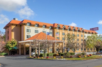 Hotel - Comfort Suites Near Casinos
