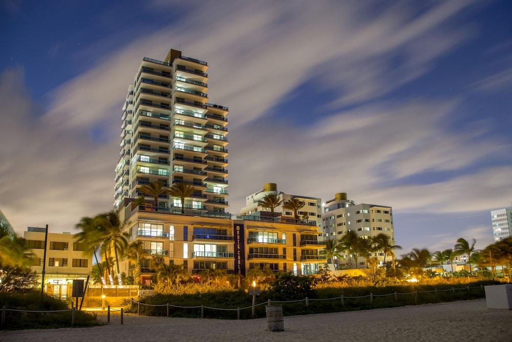Mare Azur Miami Luxury Apartments by Montecarlo