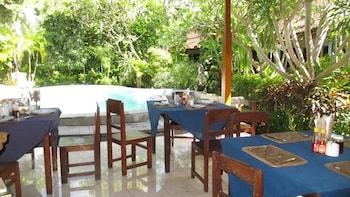 Hotel - Adus Beach Inn