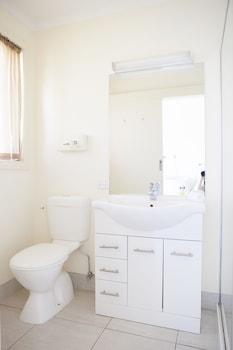 Echuca Moama Holiday Villas - Bathroom  - #0