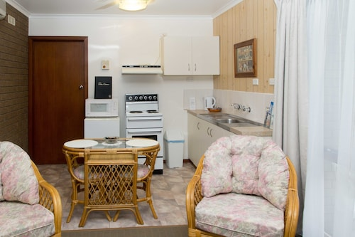 Sandpiper Holiday Apartments, E. Gippsland - Bairnsdale
