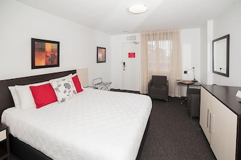 Apartments by Townhouse - Guestroom  - #0