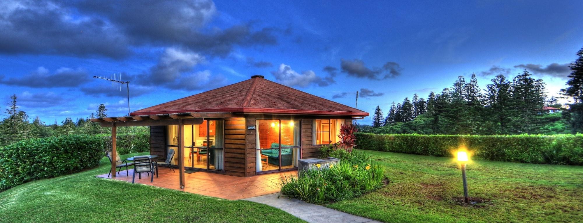 Whispering Pines, Norfolk Island