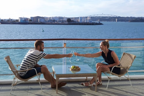 . Auckland Waterfront Serviced Apartments on Prince's Wharf