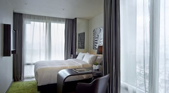 Hotel - Gloucester Hotel