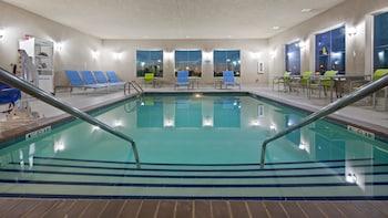 Best Western Lindsay Inn & Suites - Pool  - #0