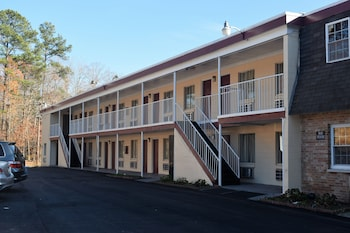 Fort Eustis Inn