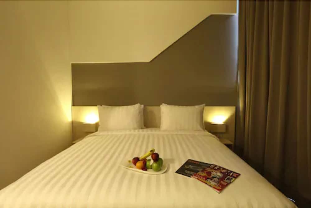 Ozone Hotel Pantai Indah Kapuk Jakarta Jakarta Id Reservations Com