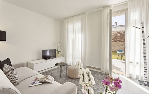 . Calasetta Residence