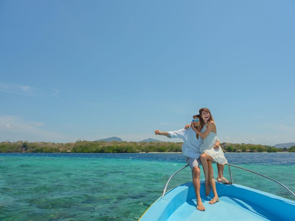 https://i.travelapi.com/hotels/10000000/9740000/9734400/9734364/4c62cca0_z.jpg
