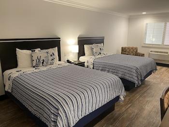 Economy Room, 2 Queen Beds, Refrigerator & Microwave