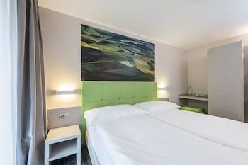 Hotel - Adhhoc Hotel