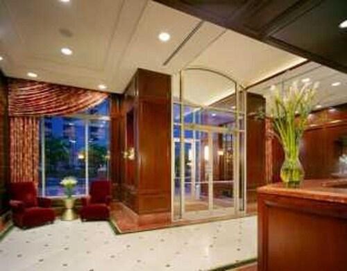 Global Luxury Suites at Washington, Hudson
