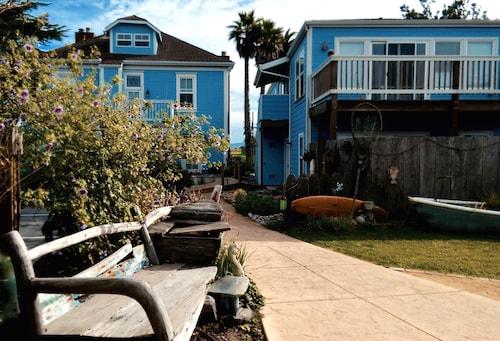 Captain's Inn at Moss Landing, Monterey