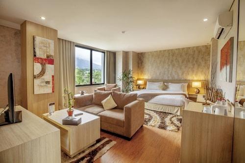 . Padjadjaran Suites Resort & Convention
