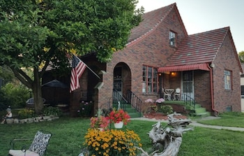 Hotel - Maple Street Bed and Breakfast LLC